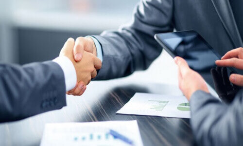 Negotiating Management Contracts