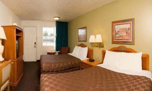 Rodeway Inn - Hermiston - Guest Room