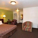 Rodeway Inn Spokane Guest Room