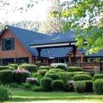 Eagle Rock Lodge Exterior